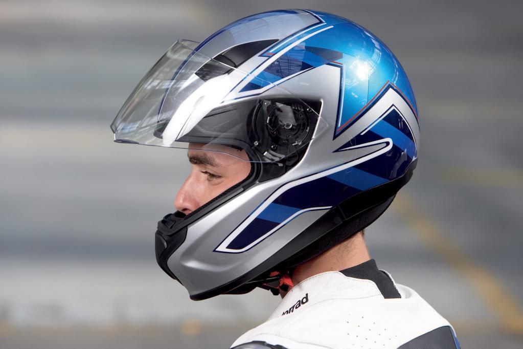 Der Helm ist für Motorradfahrer Lebensretter Nummer eins. Beachtet man beim Kauf ein paar wichtige Gesichtspunkte, so ist man vor bösen Überraschungen gefeit.