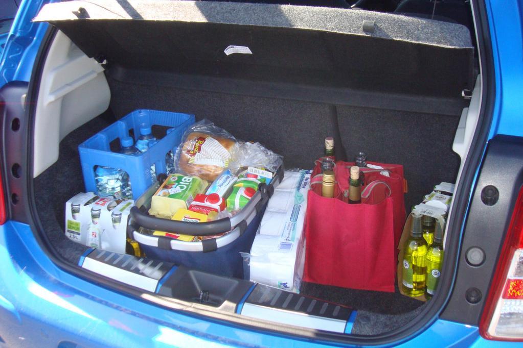 Der Kofferraum reicht locker für den Wochenendeinkauf einer Kleinfamilie.