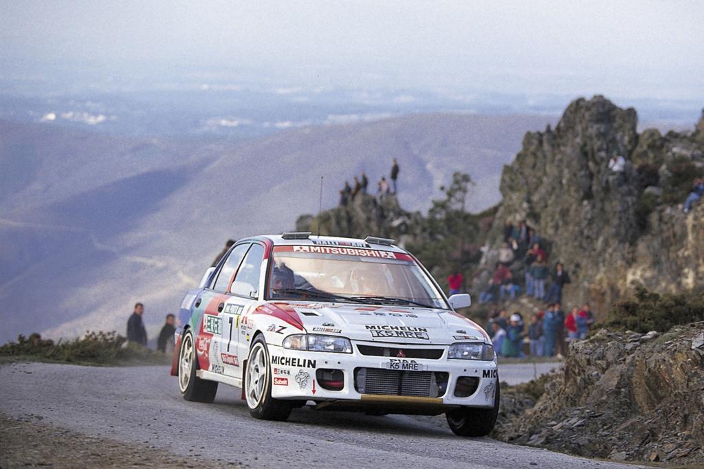 Der Mitsubishi Lancer Evo 1993 bei einer Rallye in Portugal