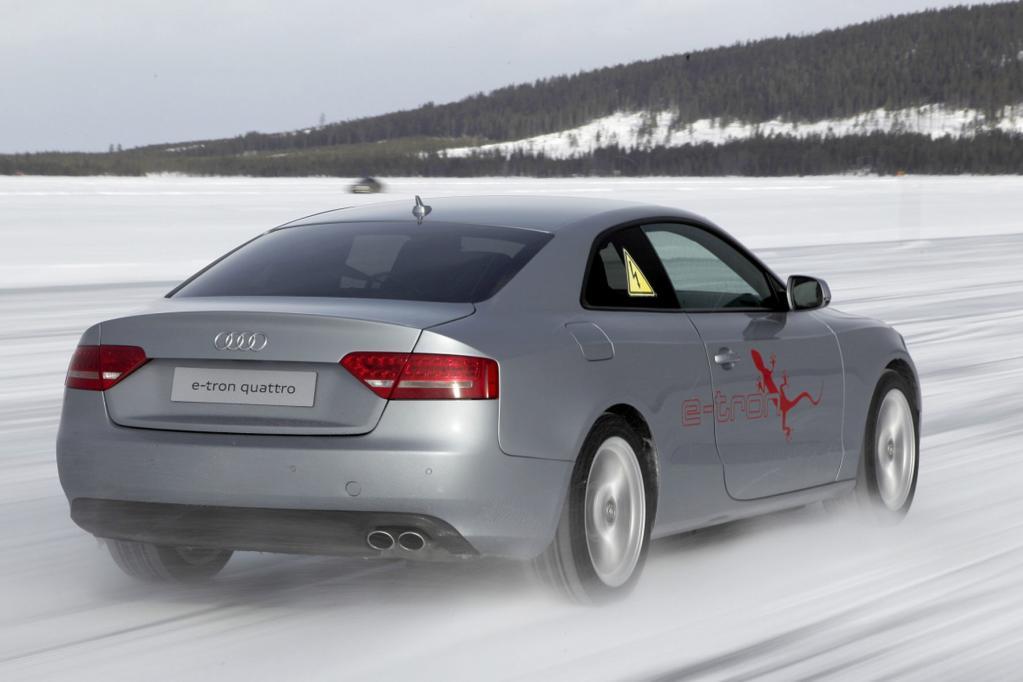 Der teilelektrische Quattro-Antrieb des Versuchsautos soll erst 2014 oder 2015 in Serie gehen.