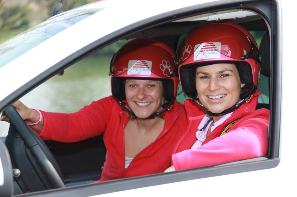 Die beiden Französinnen fahren zum ersten Mal in ihrem Dacia