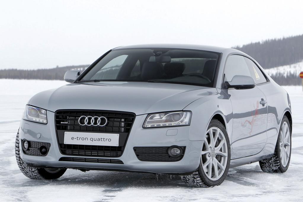 Die ersten 40 Kilometer kann der Audi rein elektrisch zurücklegen.