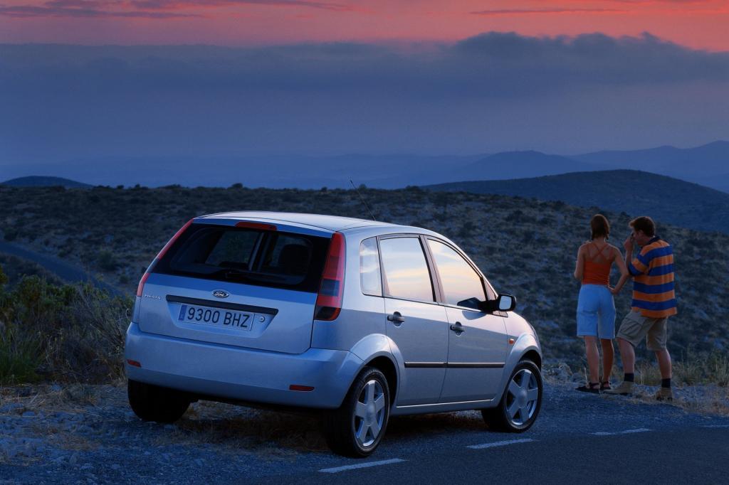Die vollkommen neu entwickelte dritte Fiesta-Generation startete 2002