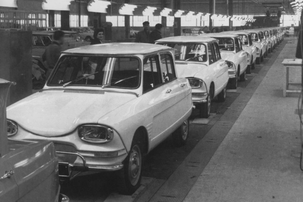 Ein Blick in die Produktionshallen 1962