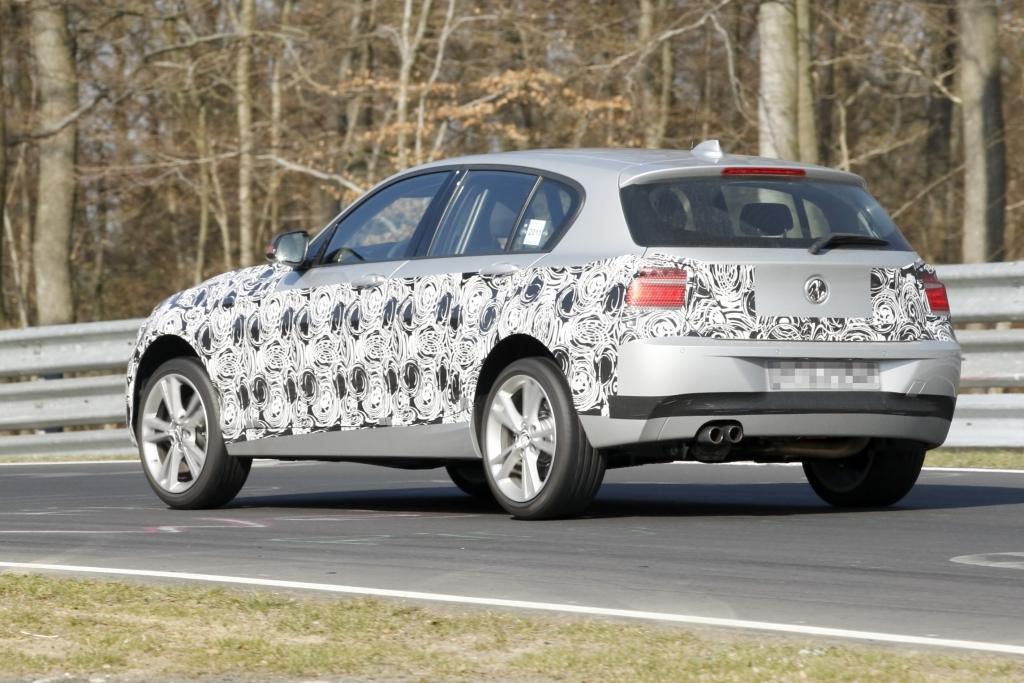 Erwischt: Erlkönig BMW 1er – Neue Nummer eins -- Die offizielle Präsentation soll noch in diesem Jahr auf der IAA in Frankfurt stattfinden. Der Einführungspreis dürfte sich dabei um die 25.000 Euro bewegen.   fotos: lehmann photo-syndication