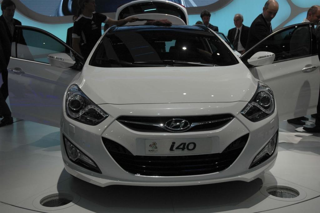 Genf 2011 – Mittelklasse: Peugeot 508, Hyundai i40 cw, Lancia Thema ...