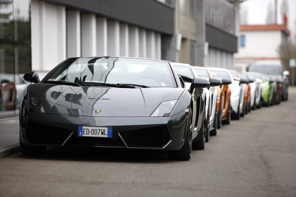 Lamborghini-Leichtbau: Die Supersportwagen aus Sant'Agata sind auf dem Weg zu neuer Leichtigkeit.