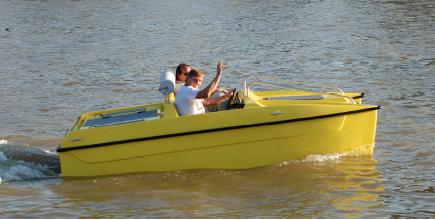Magdeboot 2011: Premieren der Wassersportmesse in Magdeburg