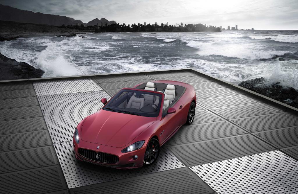 Maserati Gran Cabrio Sport.