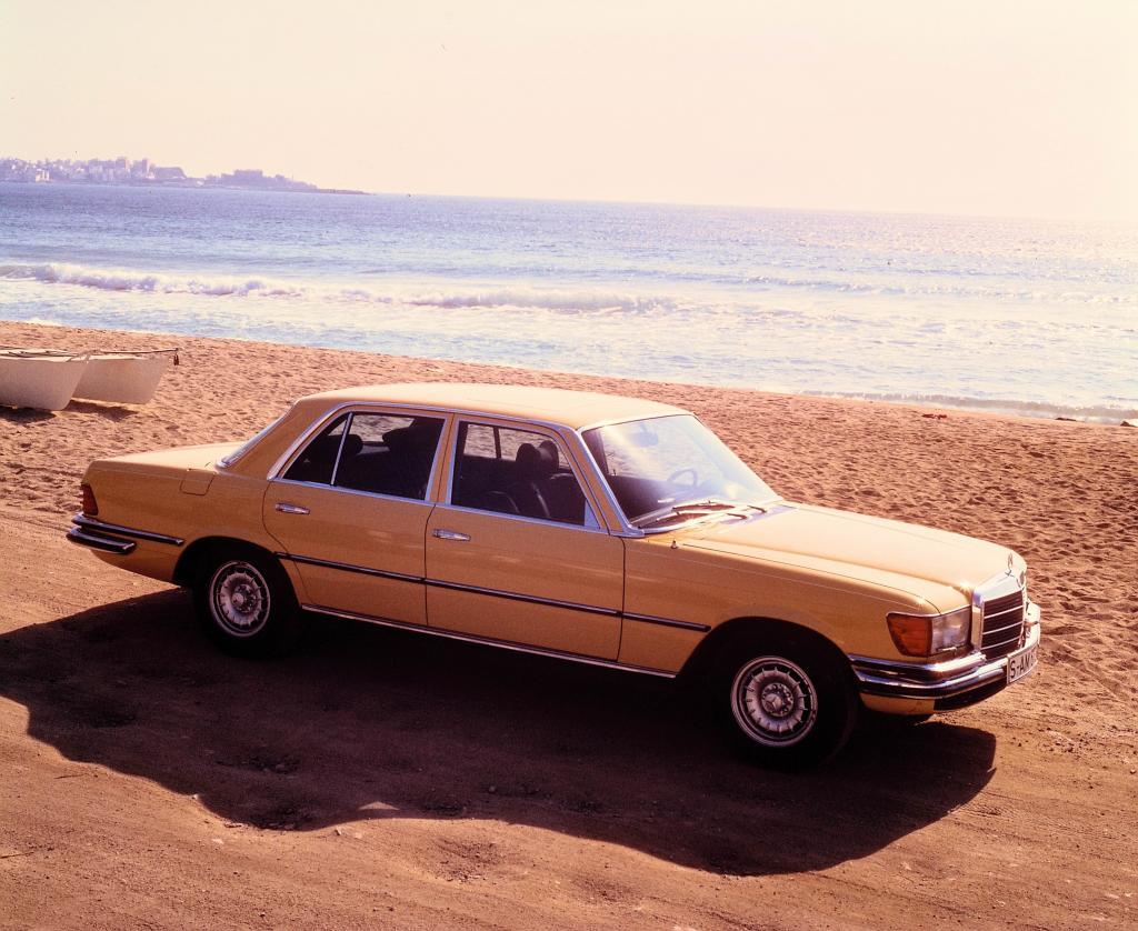 Mercedes-Benz 450 SEL 6.9 (1975).