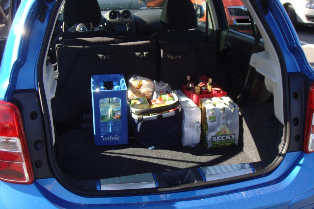 Mit wenigen Handgriffen werden die Rücksitze komplett umklappen, so dass eine ebene Ladefläche entsteht. Damit steigt das Volumen von 265 auf 1 132 Liter.