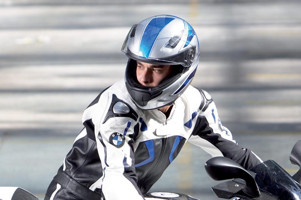 Motorradhelme gibt es in verschiedenen Bauformen für die unterschiedlichsten Einsatzzwecke.