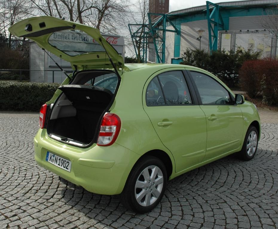 Nissan Micra: Ins Gepäckabteil passen zwischen 265 und 1132 Liter hinein.