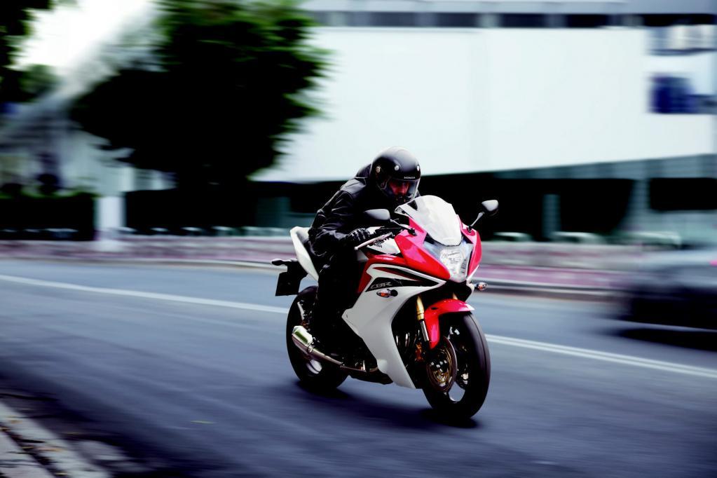 Perfekte Synthese aus Sportlichkeit und Alltagstauglichkeit: die neue Honda CBR 600F.