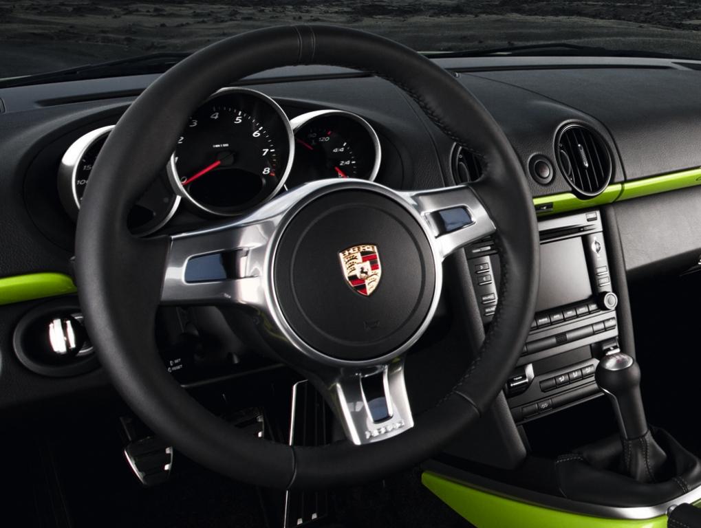 Porsche Cayman R: Blick ins sportliche Cockpit des Puristen.