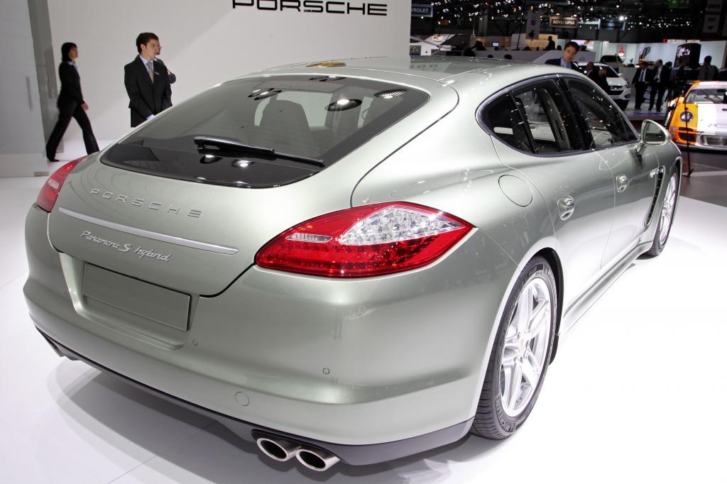Porsche Panamera S Hybrid.