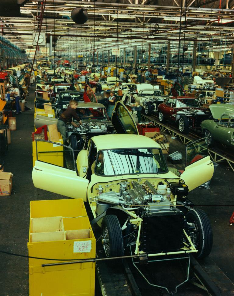 Produktion des Jaguar E-Type (1967).