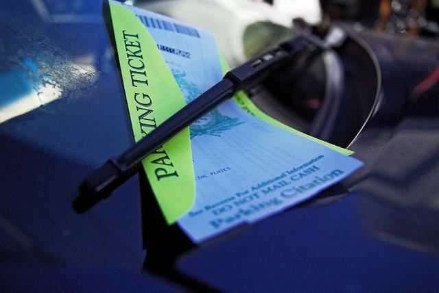 Strafzettel für den Tata, Bild: Charleston's The Digitel