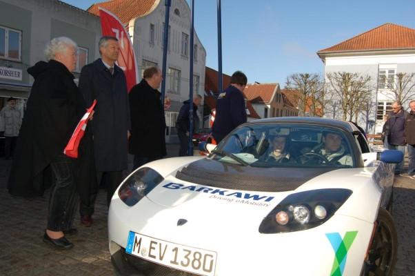 Tesla Roadster gewinnt 1. Nordeuropäische E-Mobil-Rallye