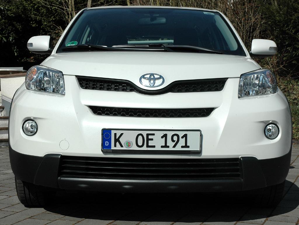Toyota Urban Criuser: Blick auf die Frontpartie.