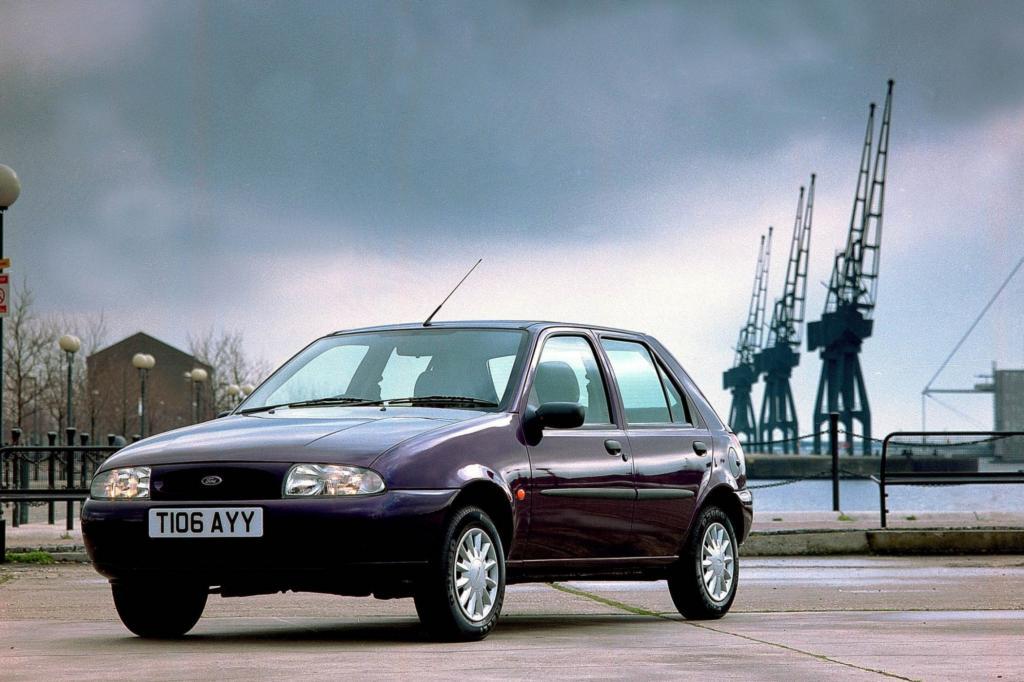 Um einer Midlife-Crisis vorzubeugen, erfuhr die zweite Fiesta-Generation 1995 eine grundlegende Verjüngung mit neuen Motoren und