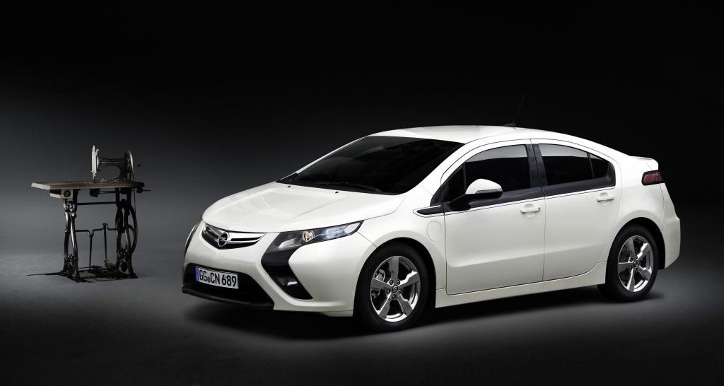 Von der Nähmaschine zum Auto: Opel auf der Techno-Classica