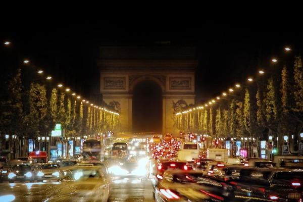 Vorbildliches Paris: 3 000 Elektroautos für die Metropole