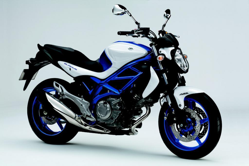 Zweizylinder-Power bietet die Suzuki Gladius.
