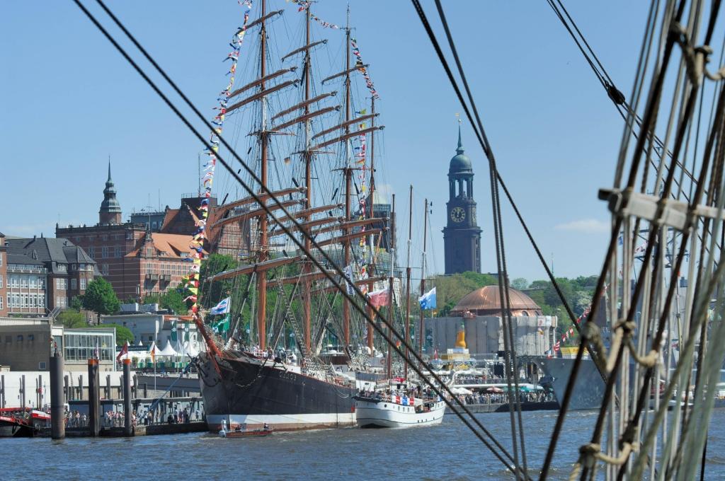 822 Jahre Hamburger Hafen: Jubilare auf und unter Wasser | © www.mediaserver.hamburg.de,  C. Spahrbier