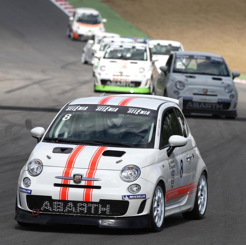 Abarth bietet professionelles Sportfahrertraining mit gestelltem oder eigenem Abarth
