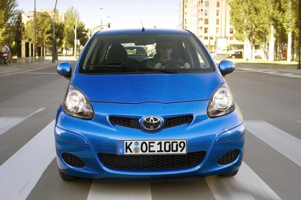 Als einziger Importeur schafft es Toyota mit dem Kleinstwagen Aygo zum Klassensieger.