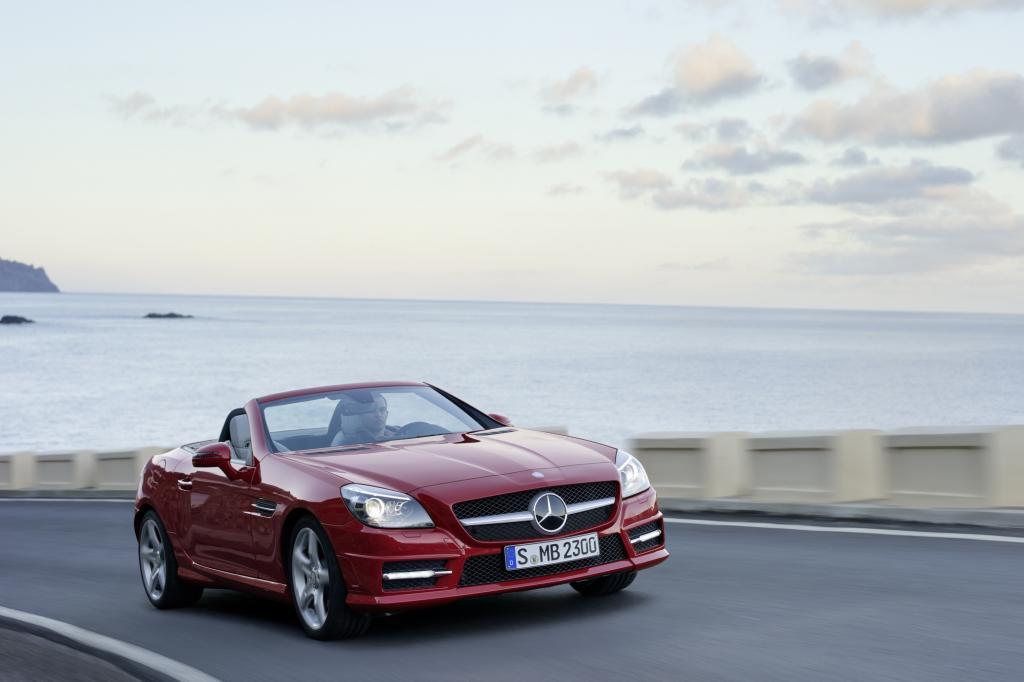 Auch Mercedes bietet seit 1996 den Roadster SLK an
