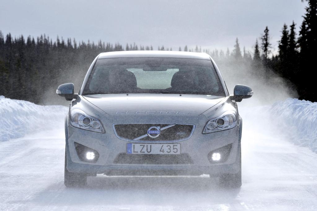 Auch unter extremen Winterbedingungen macht der Volvo C30 Electric eine gute Figur - nicht zuletzt dank der batterieschonenden Ethanol-Heizung.