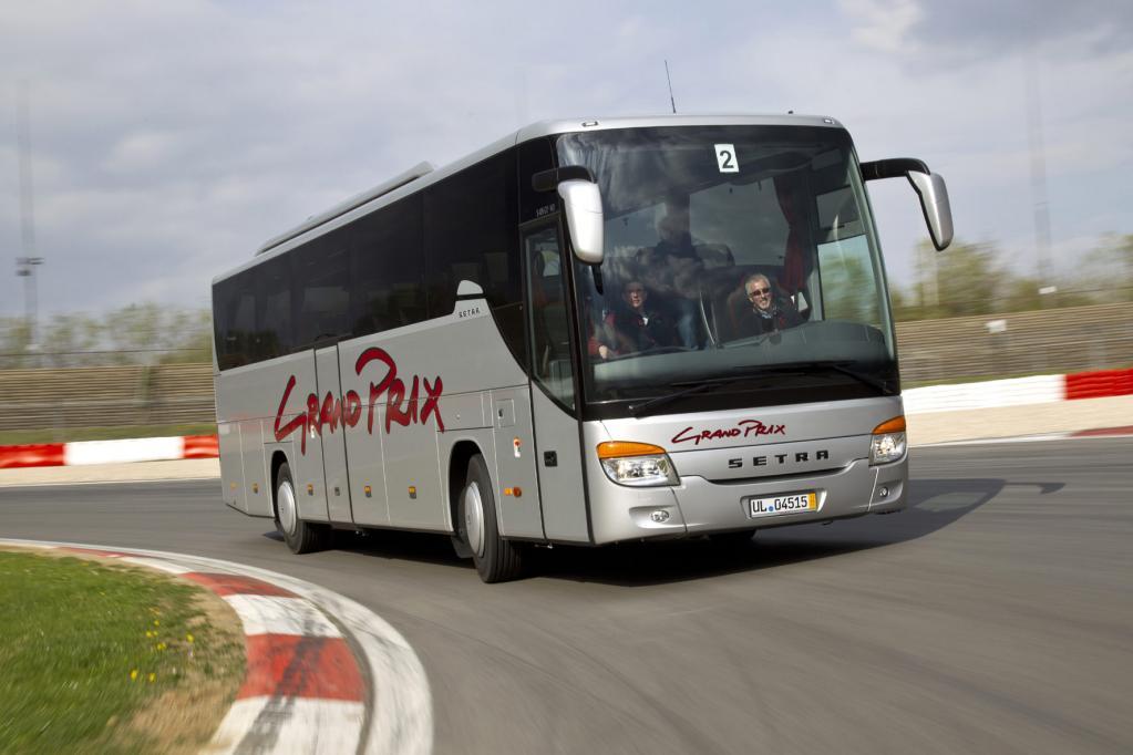Auf dem Nürburgring konnten 120 Busfahrer mit den großen Personentransportern mal richtig Gas geben.