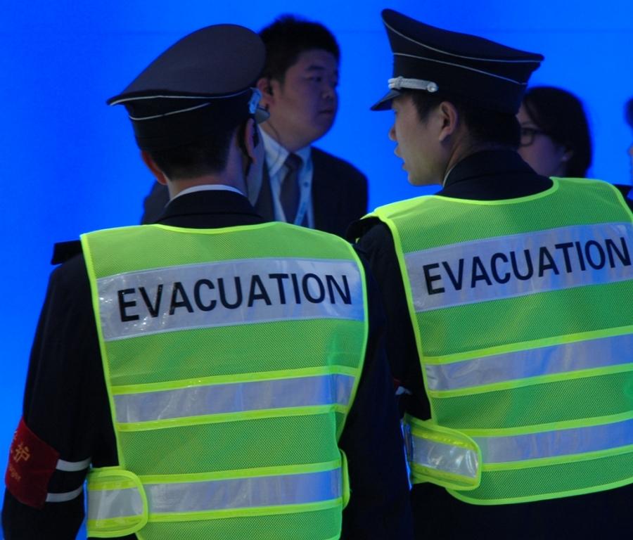 Autoschau Shanghai: Für Sicherheit auch im Notfall ist gesorgt.