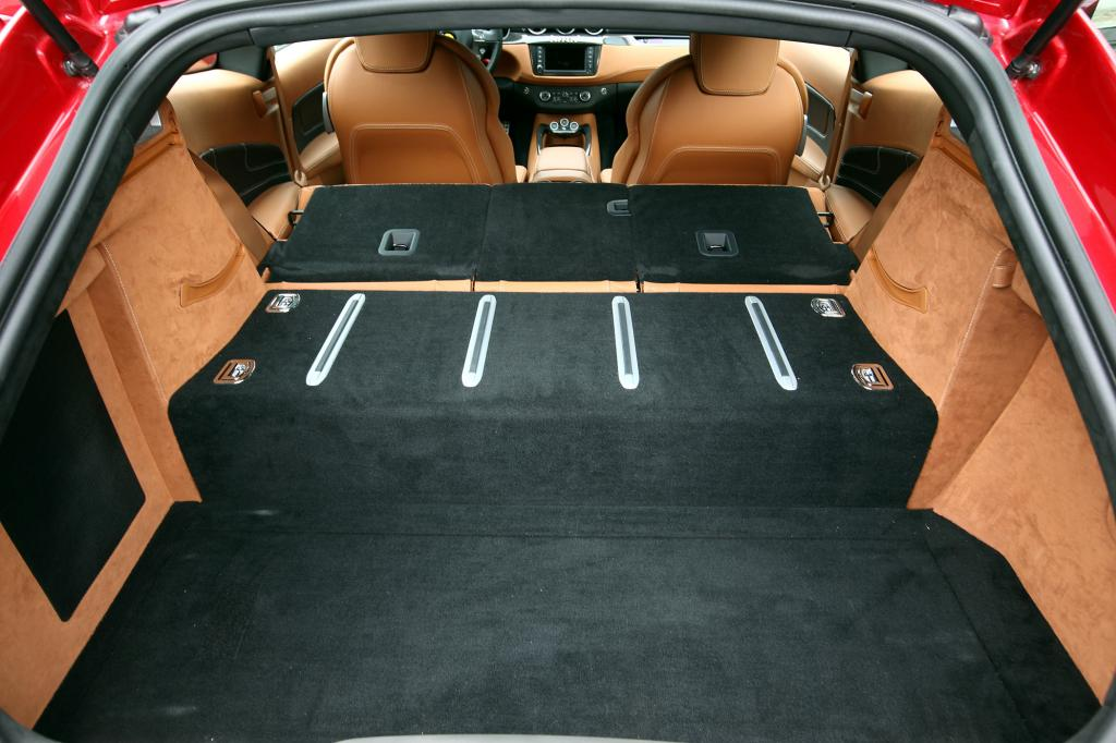 Bei umgeklappten Rücksitzen stehen 800 Liter zur Verfügung