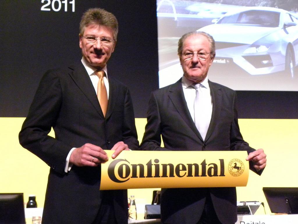 Continental Hauptversammlung 2011: Dr. Elmar Degenhardt und Aufsichtsratsvorsitzender Prof. Wolfgang Reitzle (rechts)