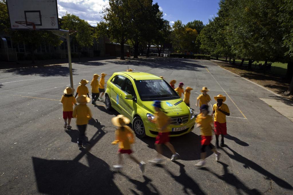 Das Interesse am Brennstoffzellenfahrzeug von Mercedes-Benz ist überall groß.