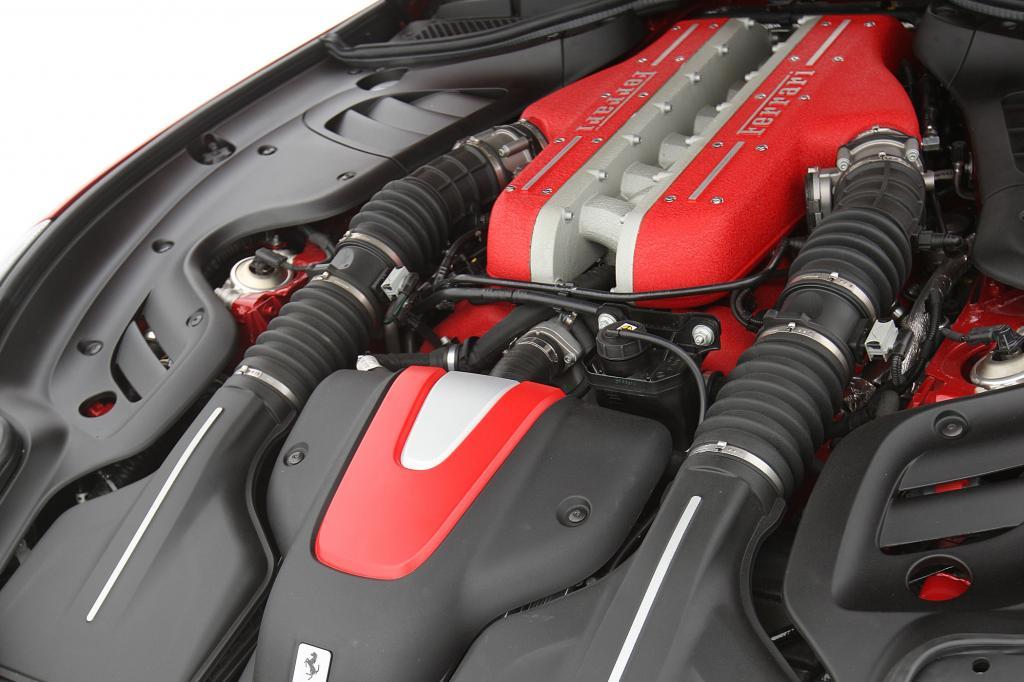 Der 6,3-Liter-V12 leistet 660 PS