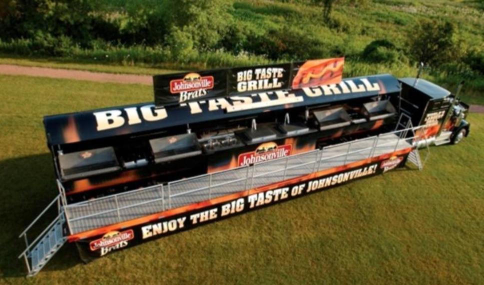 Der weltgrößte Grill-Truck hat 6 Stationen