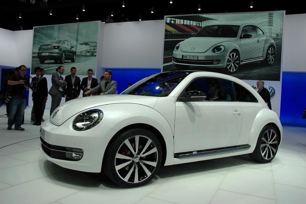 Die VW-Beetle-Neuauflage baut deutlich flacher und breiter.