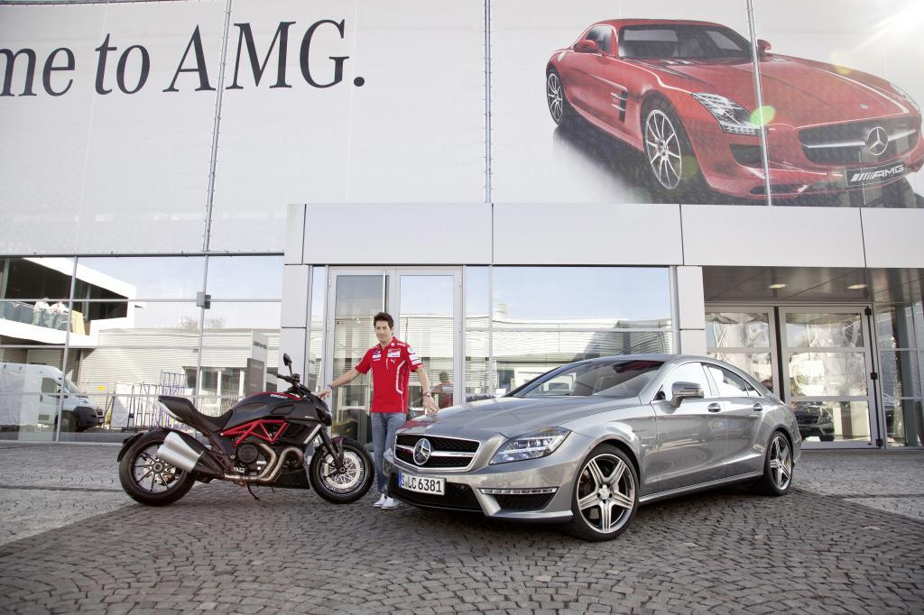 Ducati MotoGP-Werksfahrer Nicky Hayden übernimmt neuen CLS 63 AMG
