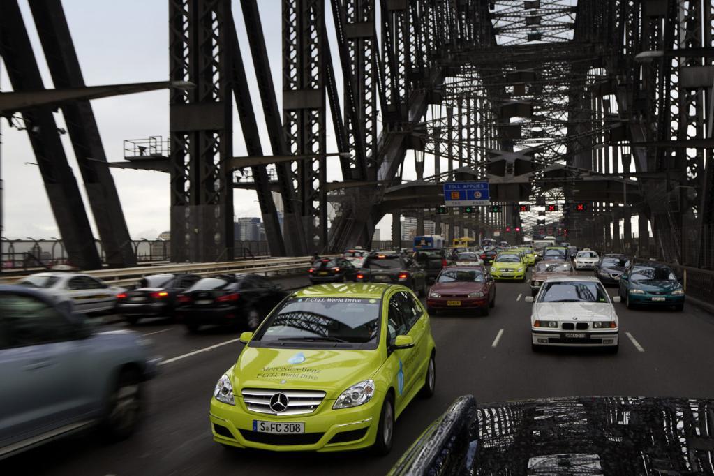 Ein mal um die ganze Welt fährt der B-Klasse F-Cell-Treck, hier in Syndey in Australien.