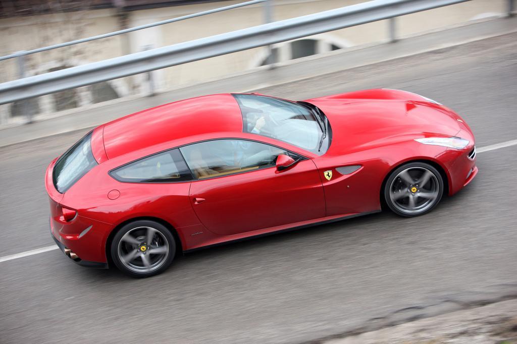 Eine neue Form: Der Ferrari FF