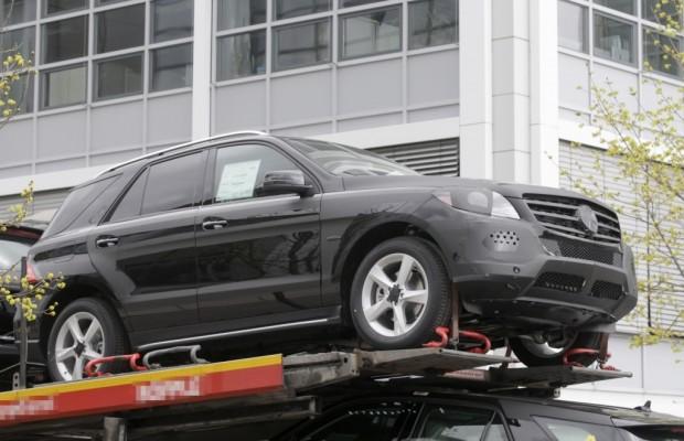 Erwischt: Erlkönig Mercedes ML – Mercedes wird verladen