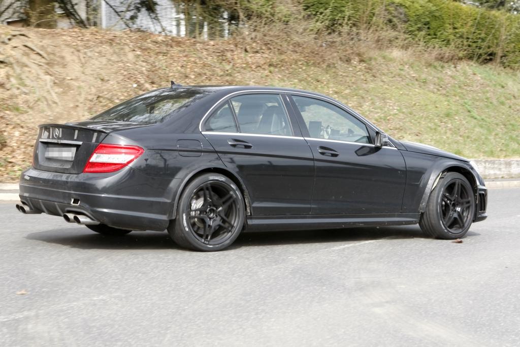 Erwischt: Mercedes C63 AMG Black Series –  Mercedes trägt wieder schwarz