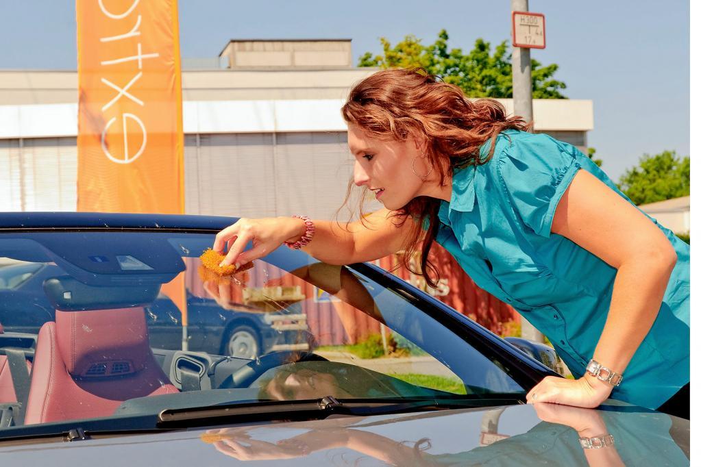 Gelbe Gefahr: Was tun gegen die Pollenplage auf den Autos?