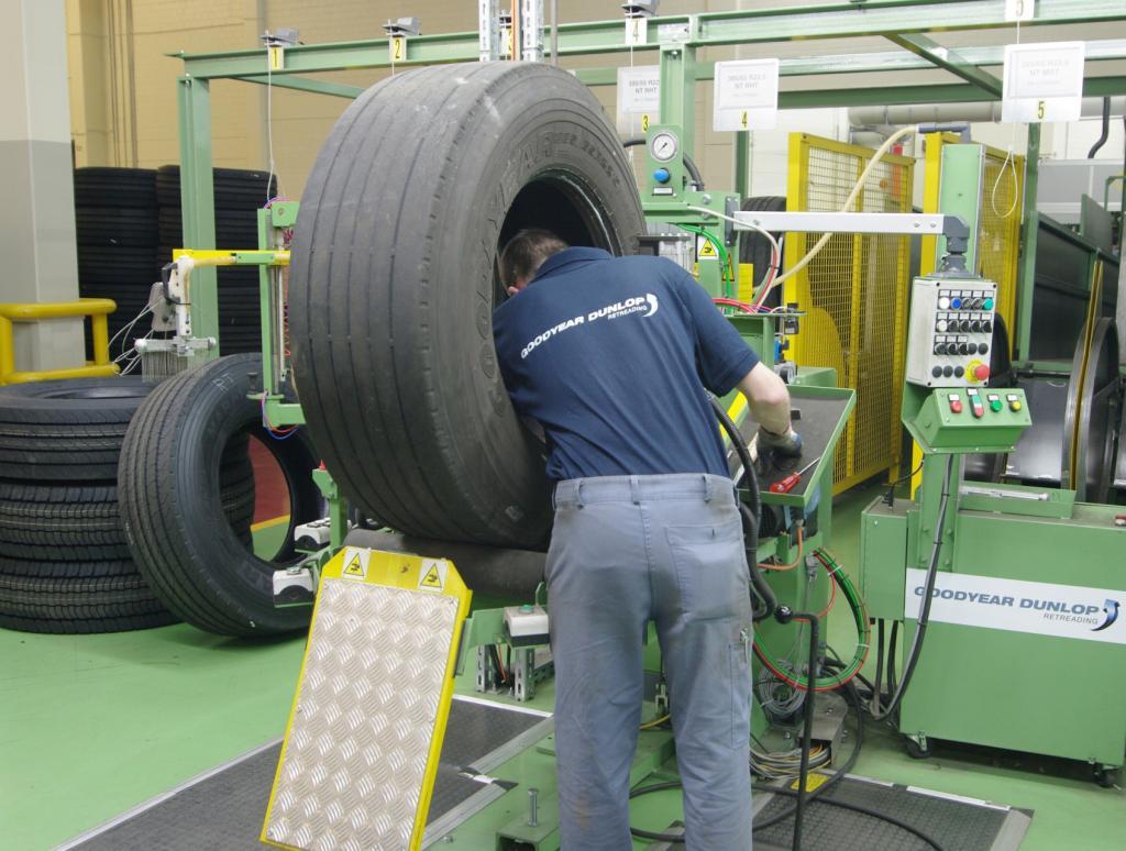 Goodyear Dunlop: Runderneuerung für Lkw-Reifen in Wittlich