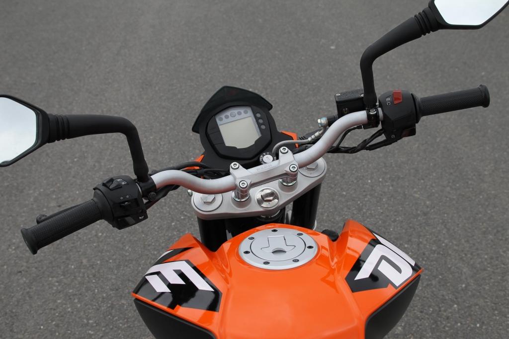 KTM 125 Duke: Naked Bike für Einsteiger – Ganz wie bei den Großen!