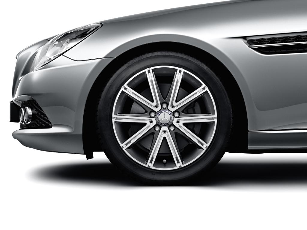 Mercedes-Benz Accessories mit neuen Leichtmetall-Bicolor-Rädern